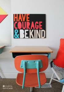3D lettering sign_Have Courage Be Kind