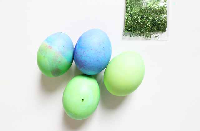 neon dyed eggs