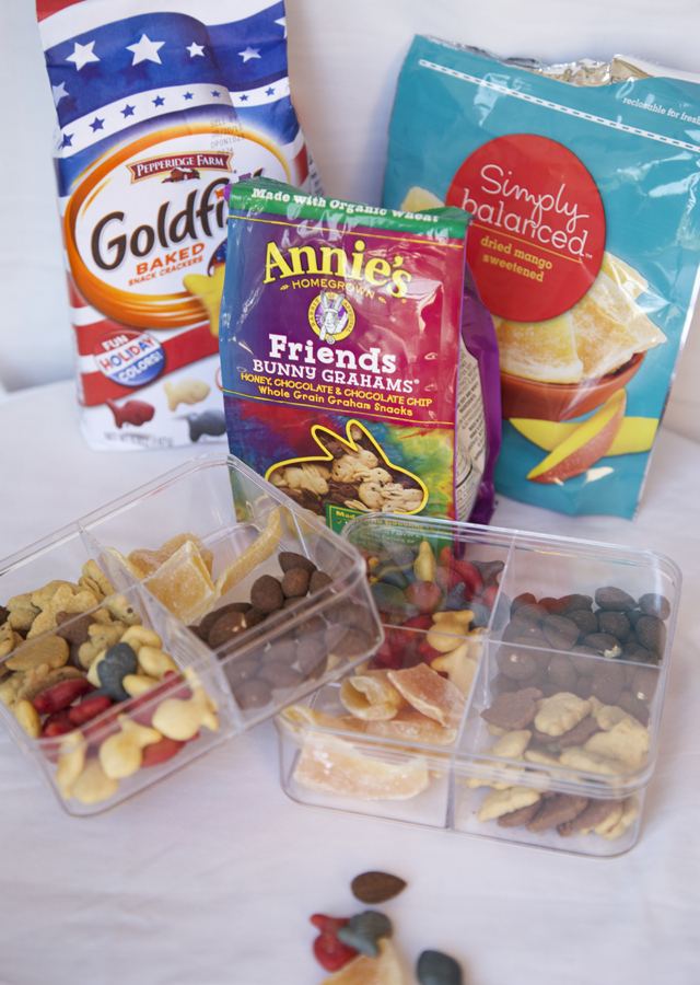 pack-snacks-in-divided-containers