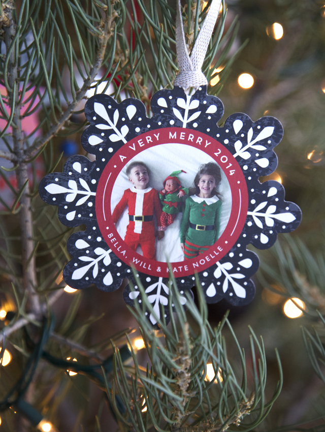 holiday-photo-ornament-minted