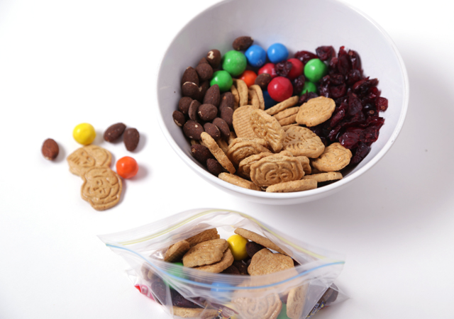 make-your-own-snack-mix