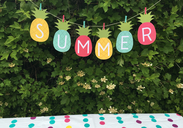 pineapple-banner-for-summer