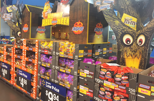 halloween-candy-display_walmart