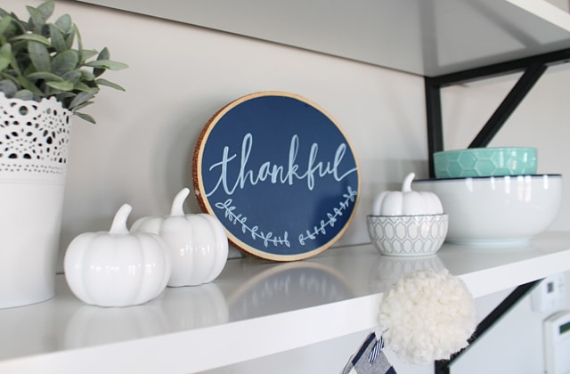 hand-lettered-thankful-chalk-sign